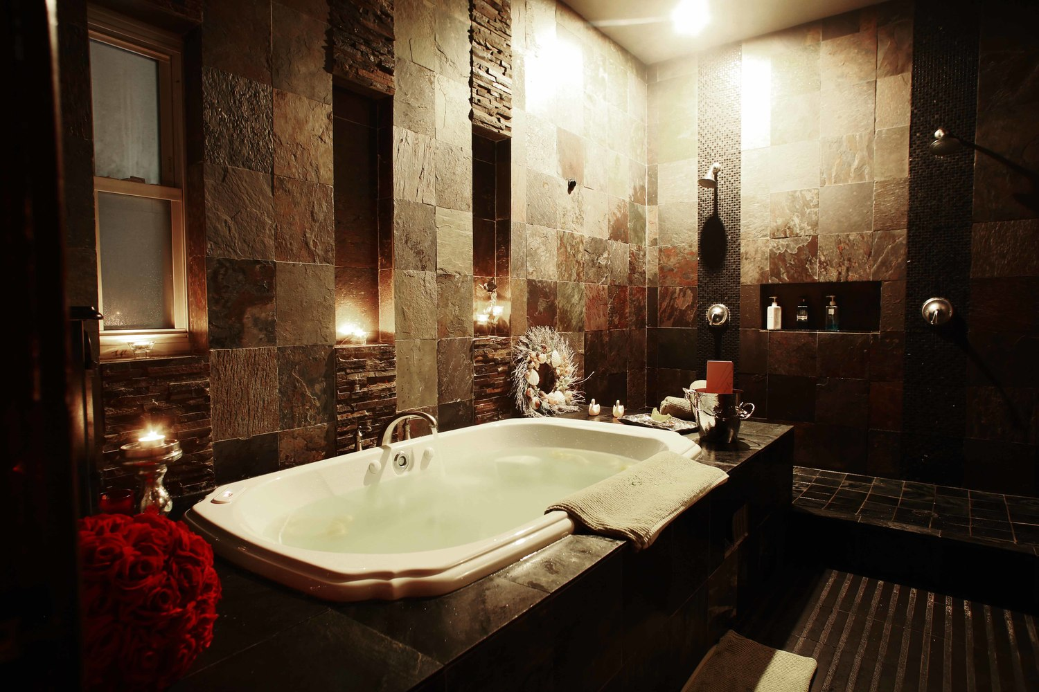 Private soaking tub in the celebrity room In New York NY, near Manhattan