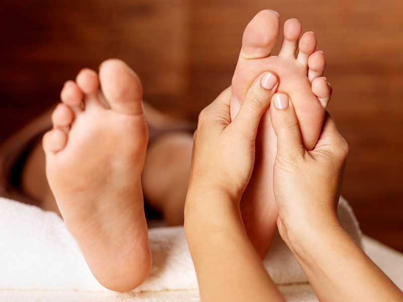 Reflexology Massage in New York City NYC Manhattan - Spa Massage 24/7 -Juvenex Spa, we provide Romantic couples spa, getaway spa