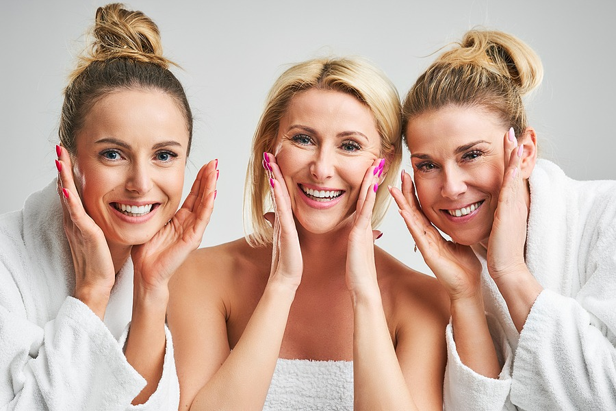 2021 New Year Holiday getaway Gift Card Valentines day gifts Spa Package for couples in New York NYC After New Year's part, Visit us Juvenex Spa & Massage in New York Manhattan NYC Picture showing group of happy friends in spa
